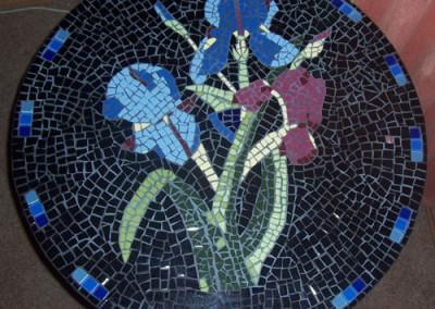 Iris table top in ceramic